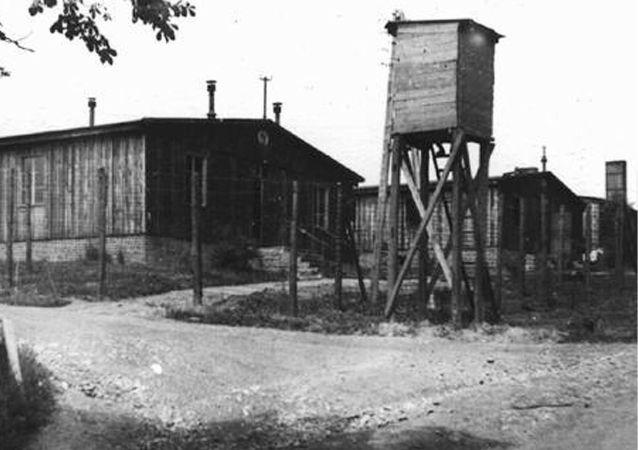 Teren obozu koncentracyjnego w Ohrdruf, czerwiec 1945, foto archiwalne.
