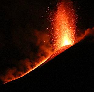 Wulkanolodzy odnotowali kolejny wybuch sycylijskiego wulkanu Etna