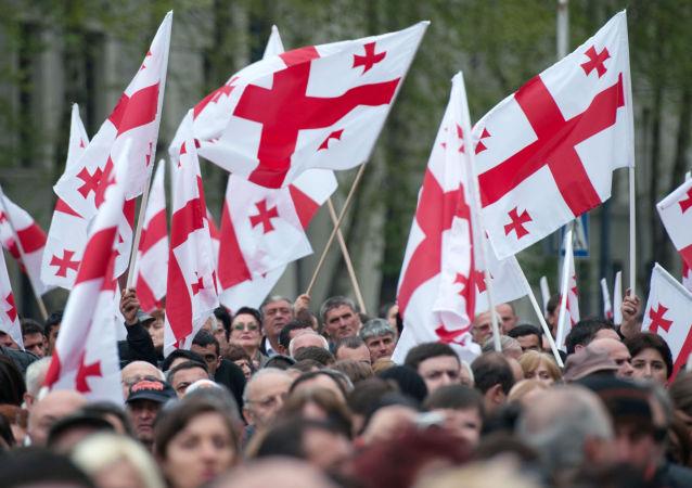 Wiec partii Michaiła Saakaszwilego w centrum Tbilisi