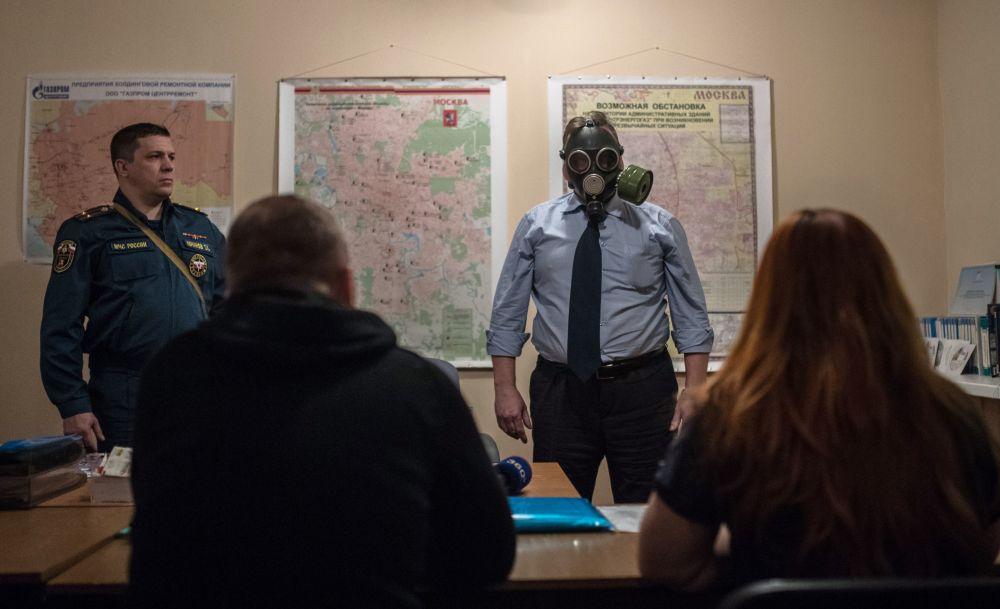 Światowy dzień obrony cywilnej w moskiewskim bunkrze