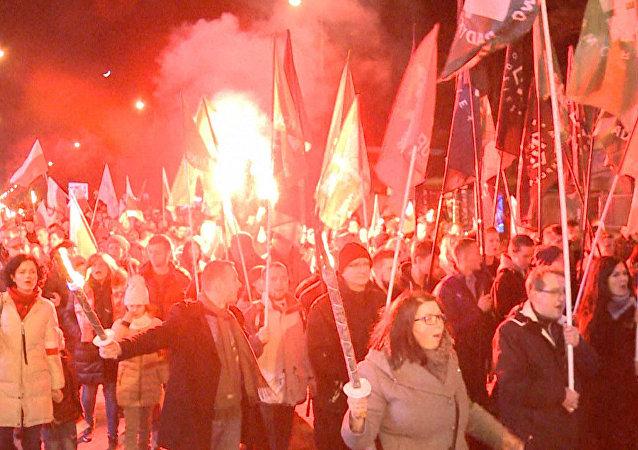Ulicami Warszawy przeszedł marsz nacjonalistów