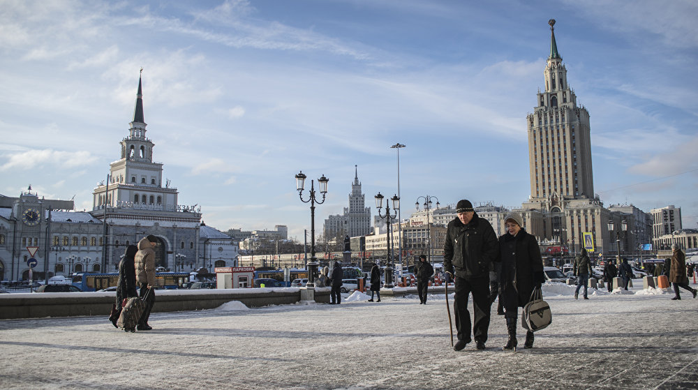 """Aktualnie w dwóch z siedmiu stalinowskich drapaczy chmur mieszczą się hotele. Jeden z nich to hotel """"Leningradzki, który znajduje się niedaleko trzech dworców."""