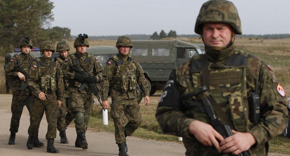 Polscy żołnierze na manewrach w Polsce