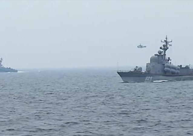 Okręty Floty Bałtyckiej przeprowadziły ostrzały artyleryjskie celów wodnych i powietrznych