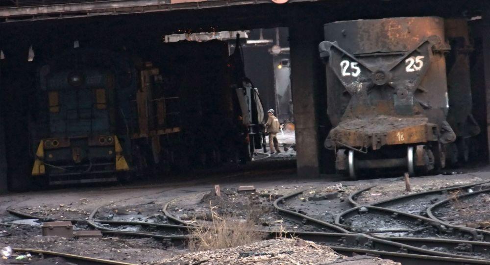 Huta wstrzymała swoją pracę z powodu blokady kolejowej Donbasu