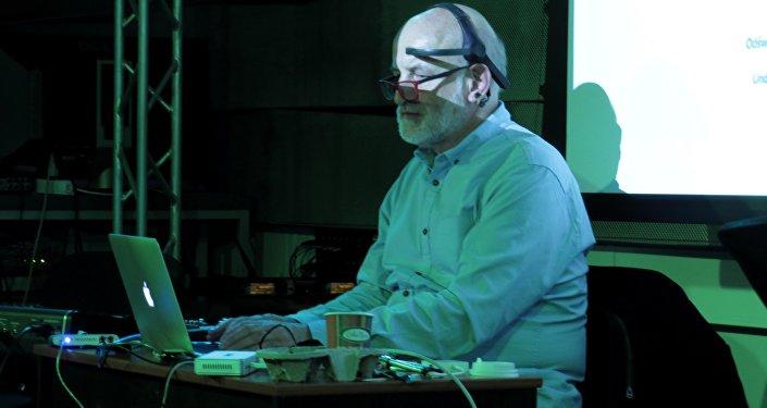 Marek Chołoniewski w trakcie wykładu
