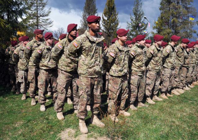 Amerykańscy instruktorzy wojskowi na Ukrainie. Zdjęcie archiwalne