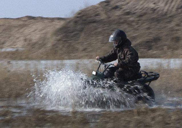 Po śniegu, błocie i wodzie: Rosyjski wszędołaz sprawdził się w testach