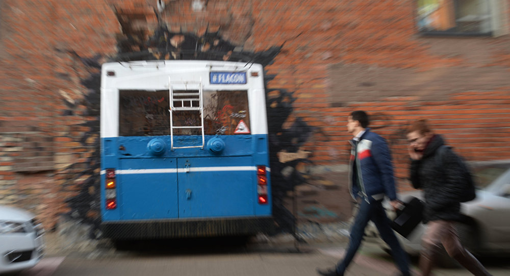 Instalacja z trolejbusem w Moskwie.