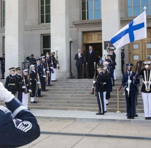Sekretarz obrony USA i minister Finlandii James Mattis i Jussi Niinistö na spotkaniu w Pentagonie