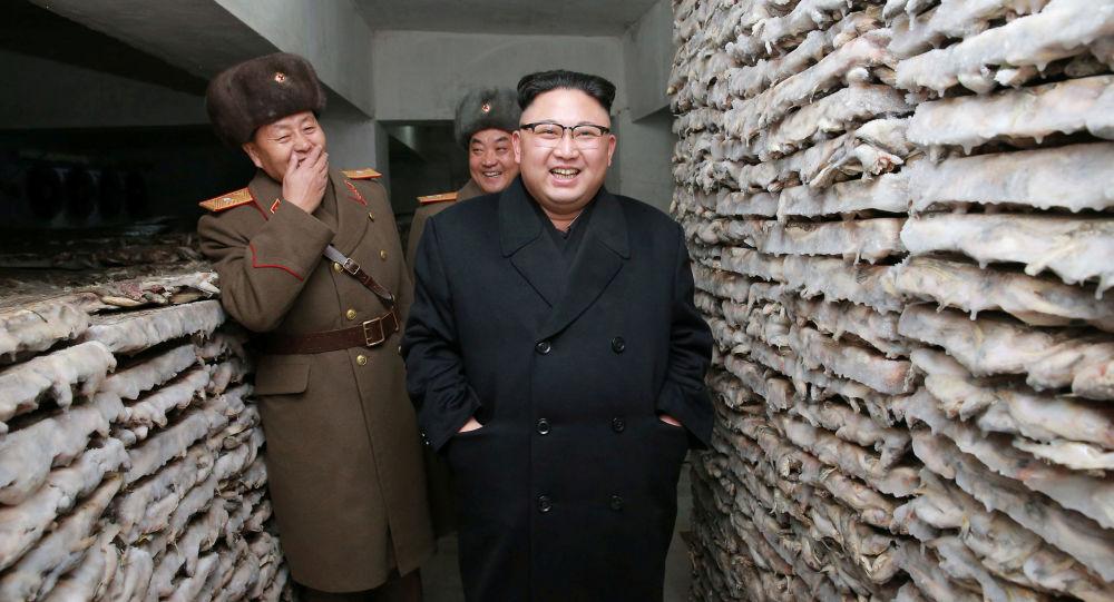 Przywódca Korei Północnej Kim Dzong Un w sztabie armii