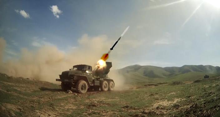 """Rosyjscy i tadżyccy wojskowi zniszczyli """"przeciwnika"""""""