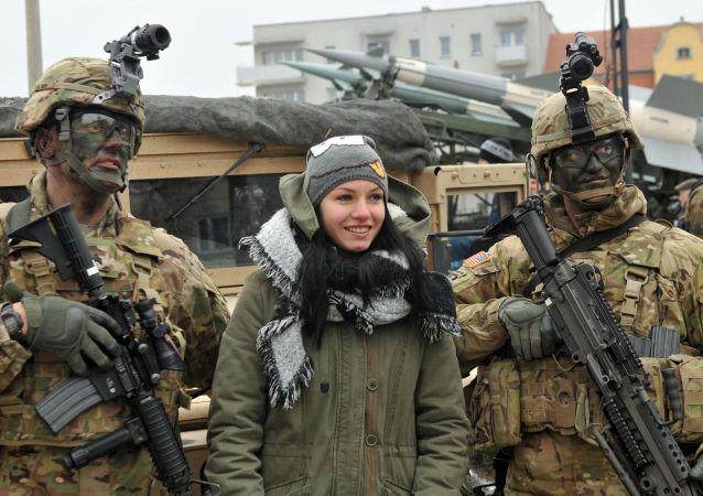 Ceremonia powitania amerykańskich wojskowych w Skwierzynie