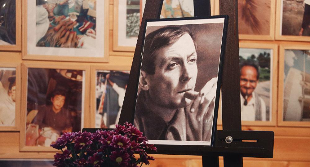 Portret poety Jewgienija Jewtuszenki