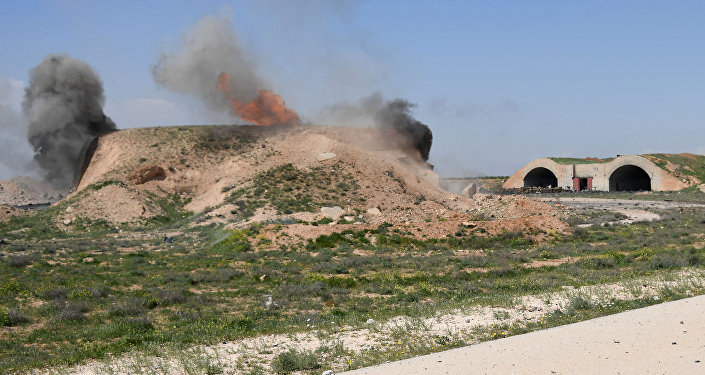 Skutki ataku rakietowego USA na bazę Szajrat