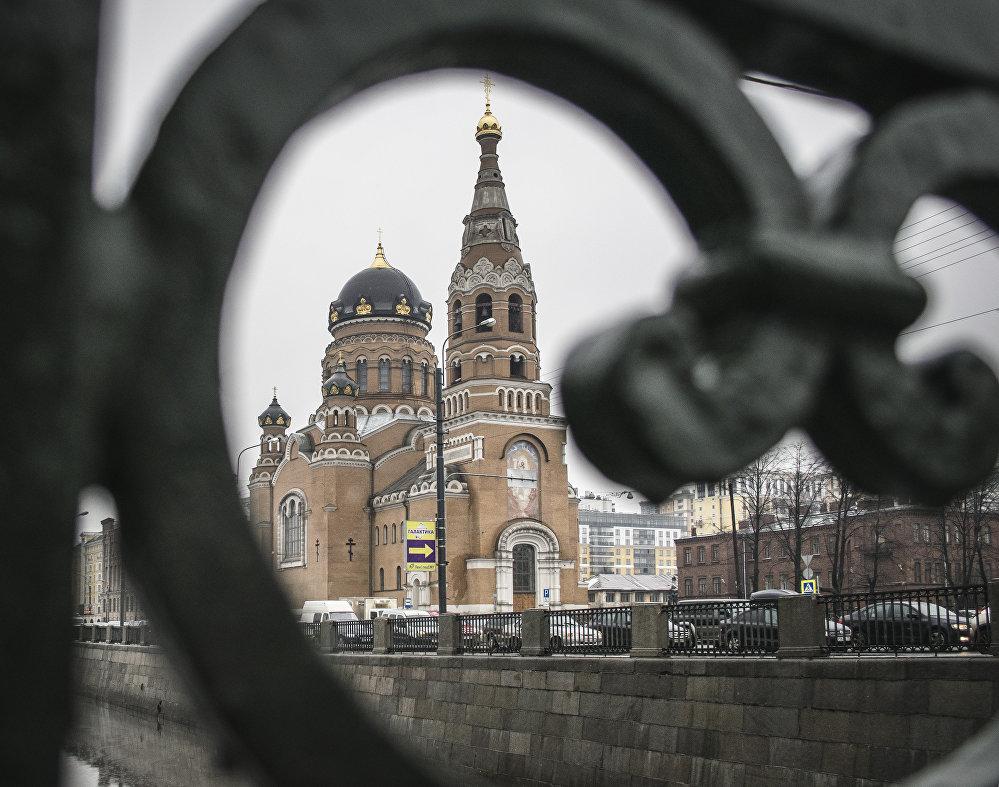 Cerkiew Zmartwychwstania Pańskiego w Petersburgu znajdująca się w okolicach obecnie nieczynnego Dworca Warszawskiego.