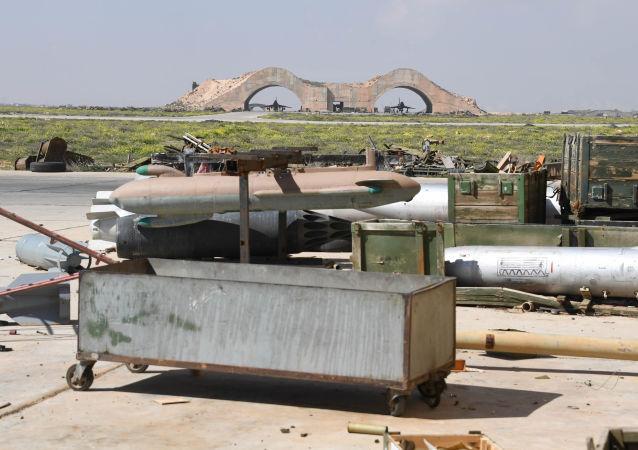 Skutki ataku USA na bazę lotniczą w Syrii