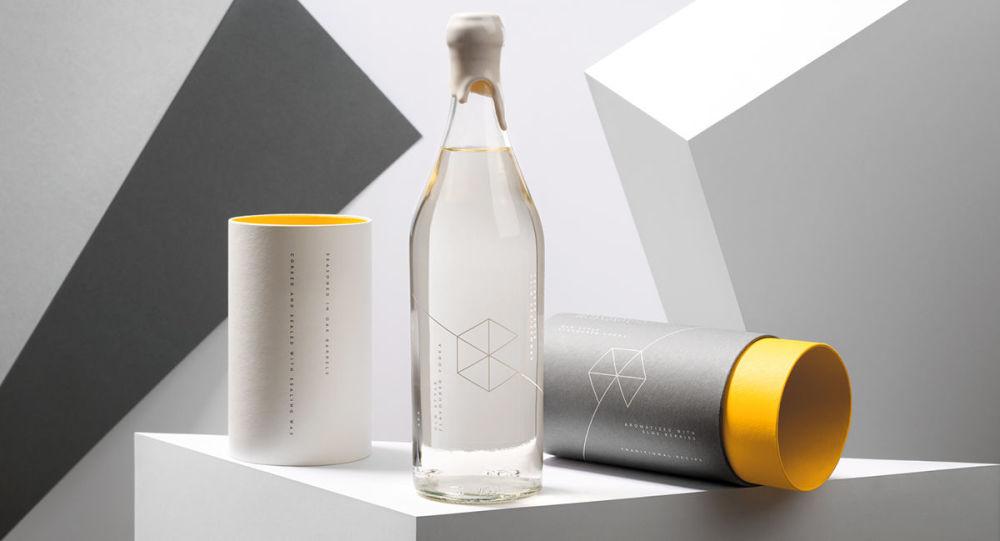Polski oddział Google wypuścił na rynek swoją markę wódki w opakowaniu podarunkowym