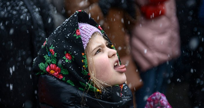 Dziewczynka podczas obchodów Maślenicy w Moskwie.