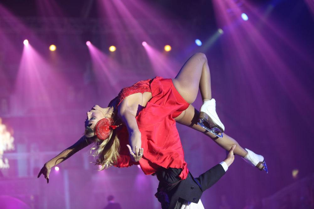 Łyżwiarka Tatjana Nawka występuje w Londynie w show Soczi: małe historie wielkiego miasta.
