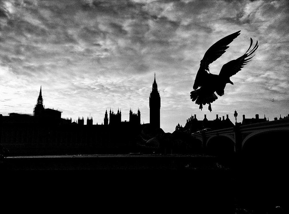 Zdjęcie Londyn po Brexicie. Autor: Michel Juvet. Zwycięzca w kategorii Ciemność.