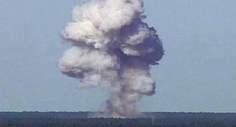 Testy najpotężniejszej bomby niejądrowej GBU-43/B