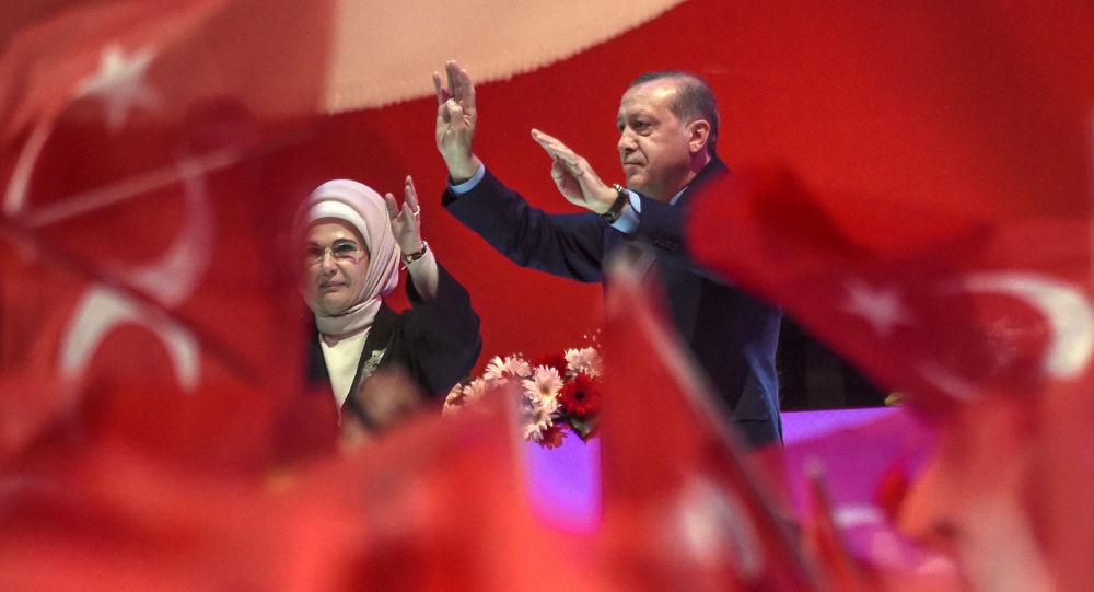Erdogan na mitingu w Stambule