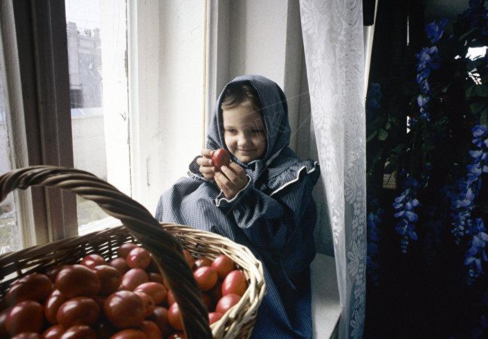 Wychowanica prawosławnego domu dziecka.