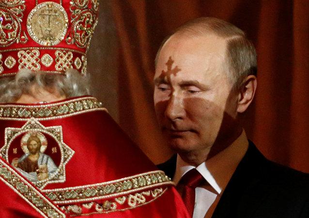 Putin złożył Rosjanom życzenia z okazji Wielkanocy