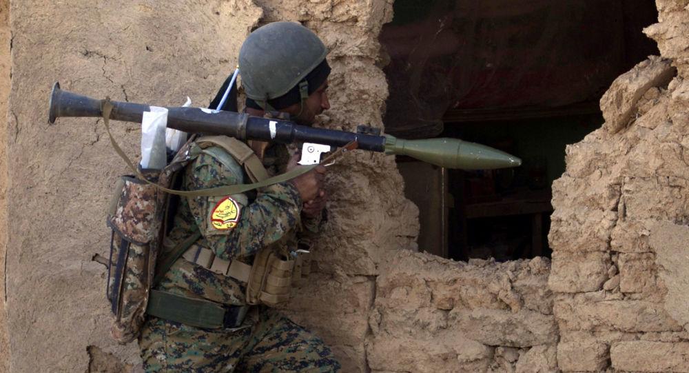 Irakijski żołnierz w mieście Tall Afar