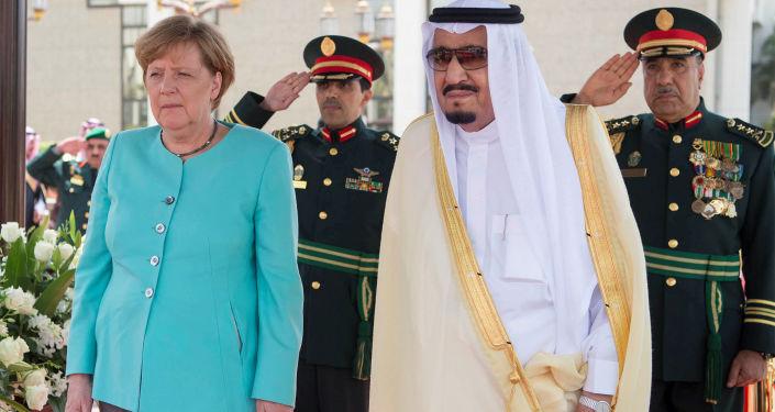 Król Arabii Saudyjskiej Salman ibn Abd al-Aziz Al Su'ud i kanclerz Niemiec Angela Merkel w mieście Dżudda