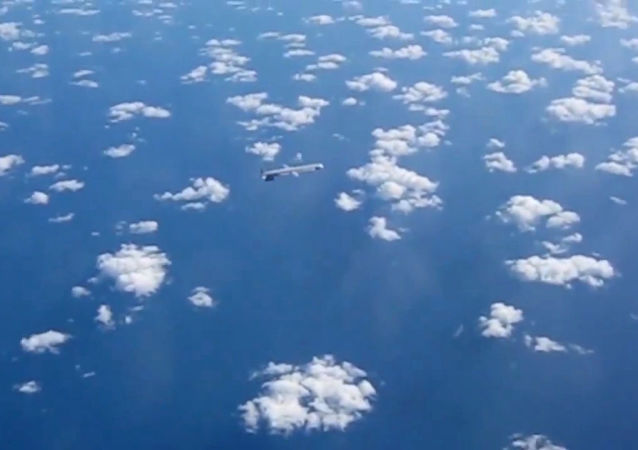Rakieta manewrująca nad Morzem Śródziemnym