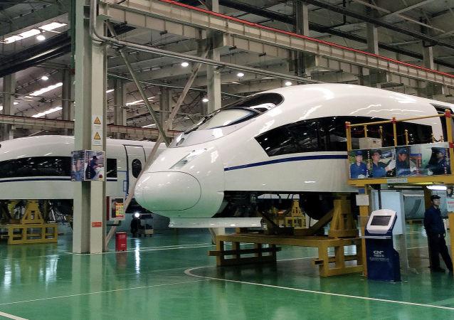 Budowa superszybkich pociągów w Chinach