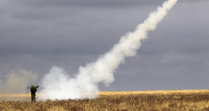 Użycie przenośnego zestawu rakietowego podczas ćwiczeń w obwodzie archanigielskim