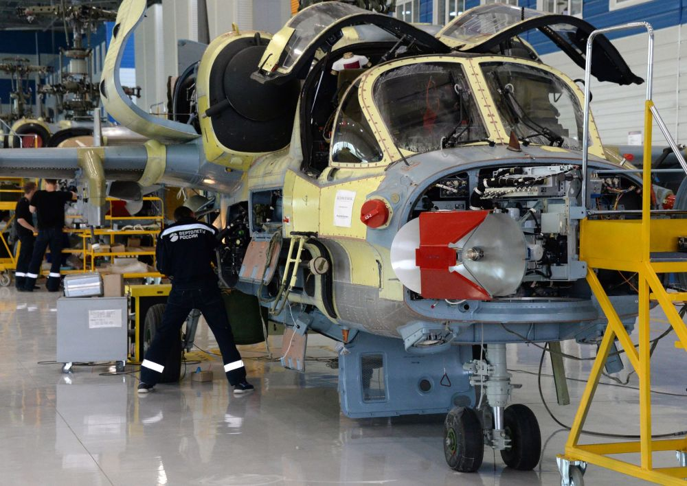 Ka-52 jest zmodyfikowaną wersją śmigłowca szturmowego Ka-50 (Czarny Rekin).