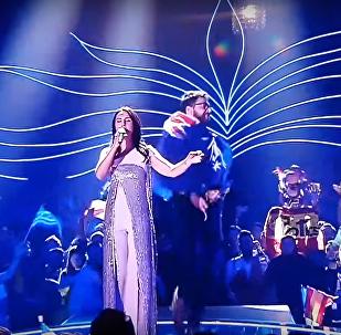 Policja zatrzymała ukraińskiego prankstera Witalija Sediuka, który podczas finału Eurowizji-2017 w Kijowie zdjął spodnie na scenie.