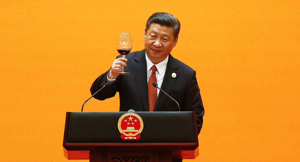 Chinese President Xi Jinping makes a toast at the beginning of the welcoming banquet at the Great Hall of the People during the first day of the Belt and Road Forum in Beijing, China, May 14, 2017