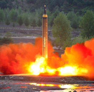 Próba rakiety balistycznej średniego zasięgu Hwasong-12 w KRLD