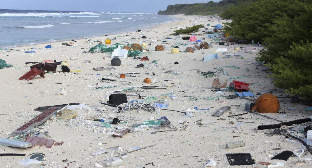 Śmieci na wyspie Henderson