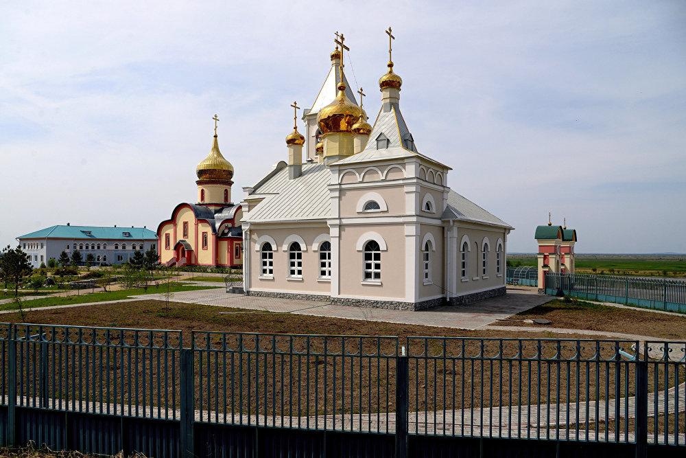 Żeński klasztor Świętych Prawowiernych Apostołów Piotra i Pawła we wsi Piotropawłowka w Kraju Chabarowskim.