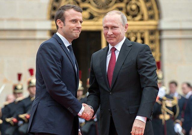 Władimir Putin i Emmanuel Macron