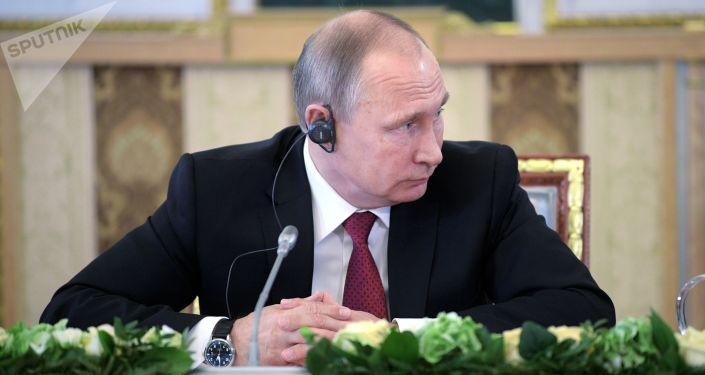 Spotkanie prezydenta Rosji Władimira Putina z szefami rosyjskich i zagranicznych agencji informacyjnych w ramach Międzynarodowego Forum Ekonomicznego w Petersburgu