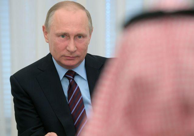 Spotkanie prezydenta Rosji Władimira Putina z zastępcą księcia następcy tronu Arabii Saudyjskiej Muhammadem ibn Salmanem al Saudem
