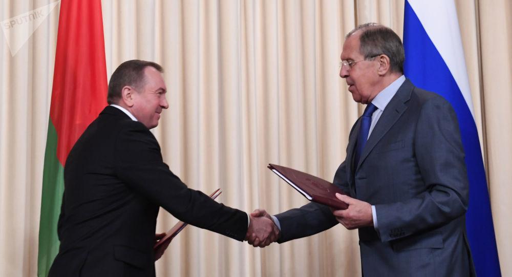 Minister spraw zagranicznych Białorusi Uładzimir Makiej i minister spraw zagranicznych Rosji Siergiej Ławrow