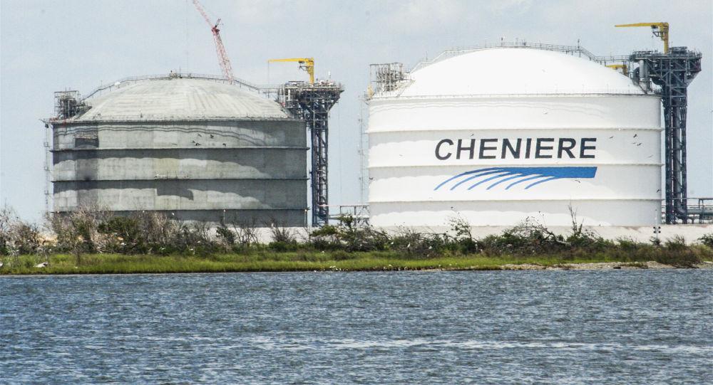 Zbiorniki gazu amerykańskiej spółki Cheniere Energy