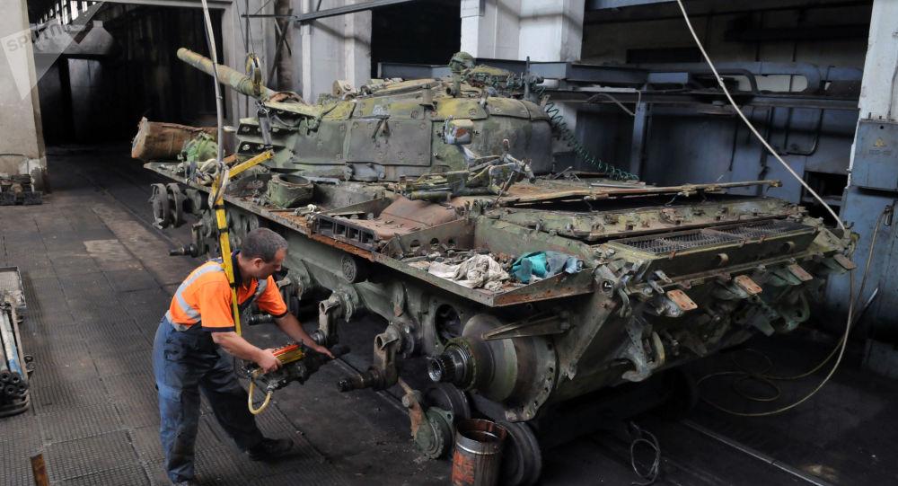 Naprawa czołgów T-72 we Lwowskiej Fabryce Czołgów