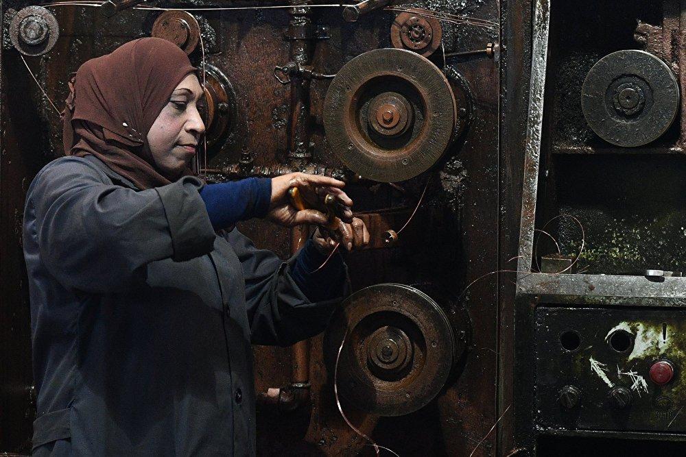 Państwowa fabryka produkująca kable elektryczne na przedmieściach Damaszku.