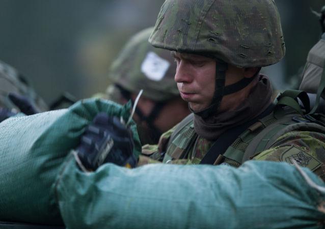 Żołnierze podczas manewrów