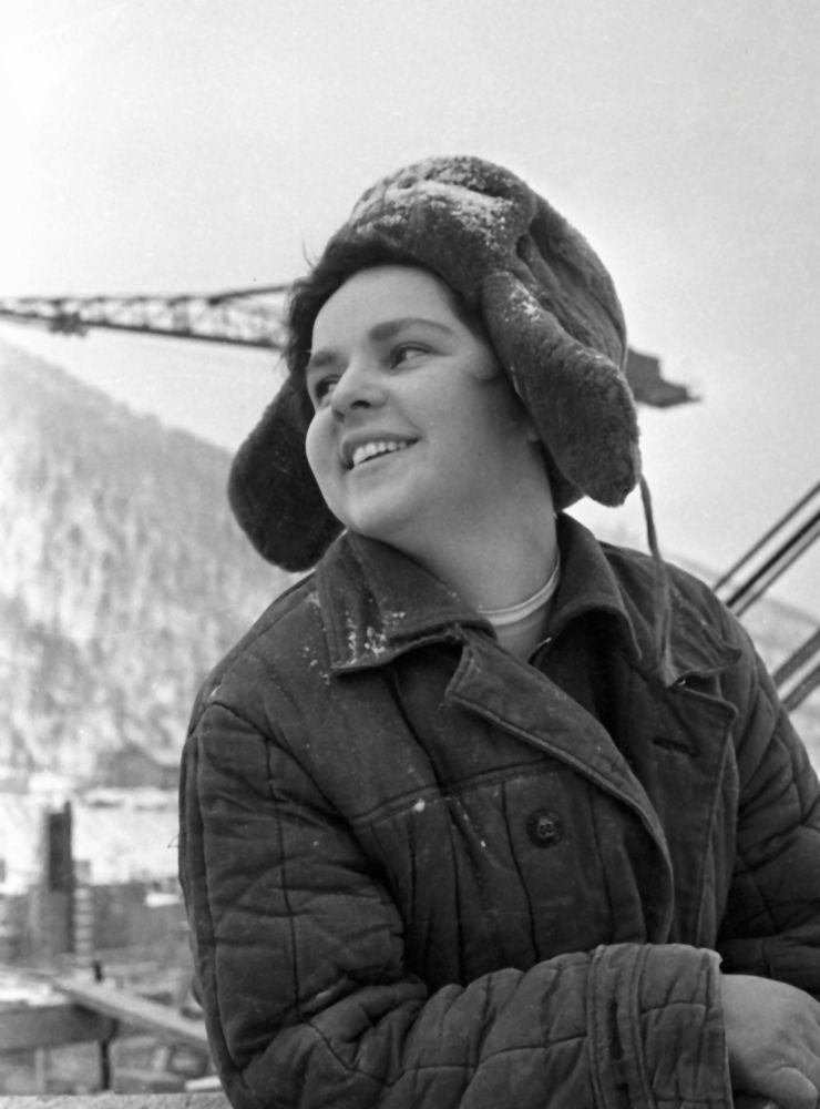 Nelli Gridasowa na budowie  krasnojarskiej elektrowni wodnej