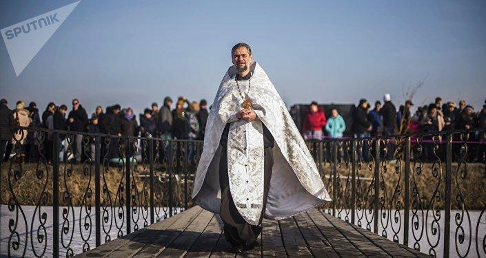 Coraz więcej Rosjan chce zostać kapłanami